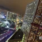 Grande Arche de la Défense en HDR de nuit depuis les toits