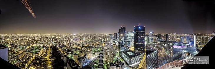 Panoramique HDR du quartier de la Défense de nuit depuis la tour T1