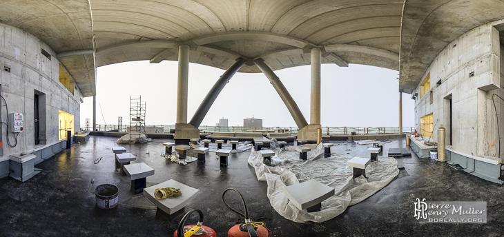 Panoramique TTHDR d'une terrasse technique de la Tour T1 GDF Suez