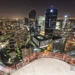 Quartier de la Défense en HDR de nuit depuis les toits de la Tour T1