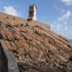 Chemin d'accès au rocher du phare du Paon sur l'Ile de Bréhat