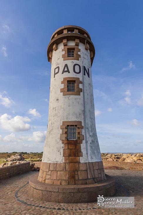 Phare du Paon au nord de l'Ile de Bréhat