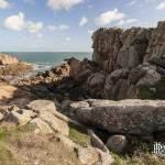 Suite de rochers sur la côte sauvage de l'Ile de Bréhat