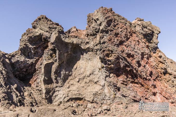 Formation de roche volcanique au Piton de la Fournaise