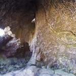 Intérieur de la Chapelle de Rosemont ancienne cavité volcanique