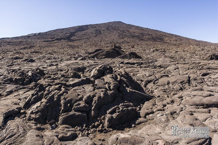 Lave de forme diverses au pied du Piton de la Fournaise