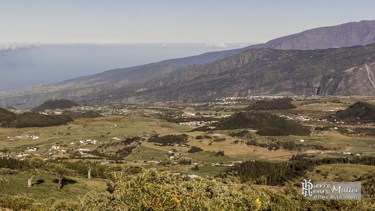 Plaine des Cafres en direction de la mer à la Réunion